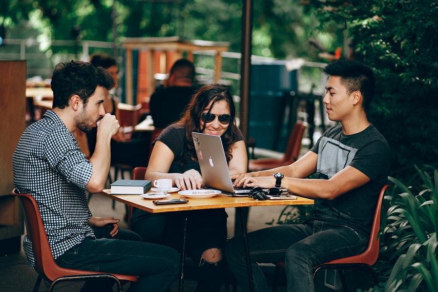 Como conquistar os Millennials e influenciar sua decisão de compra?